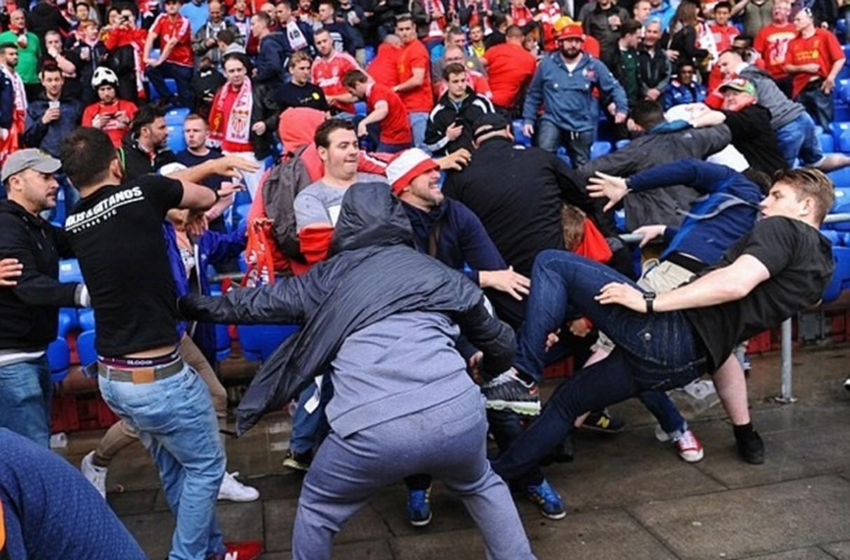 """Khuon mat """"ban than"""" cua CDV Liverpool sau tran CK Europa League-Hinh-4"""