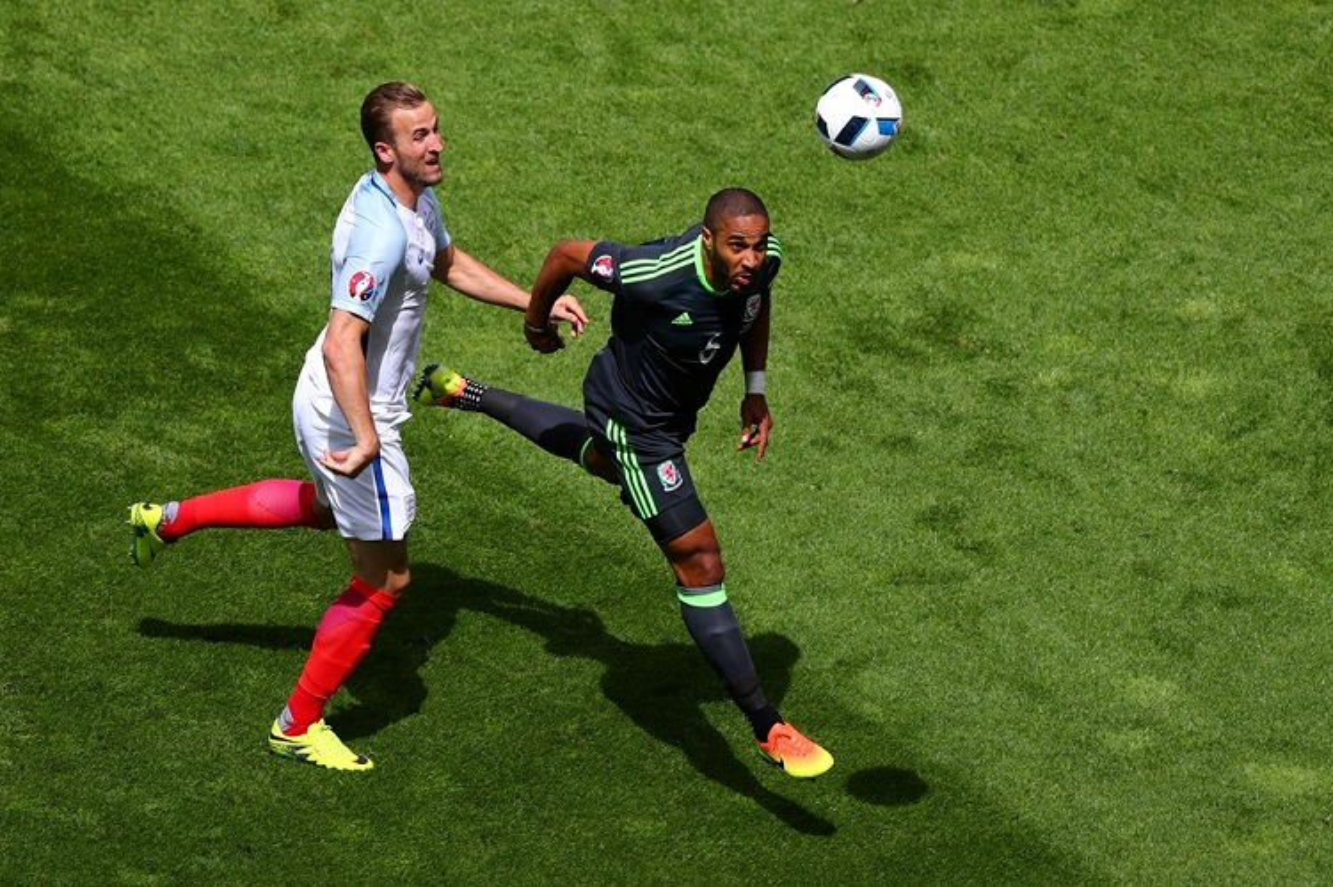 Anh Euro 2016 Anh 2-1 xu Wales: Vardy, Sturridge cuu roi Tam Su