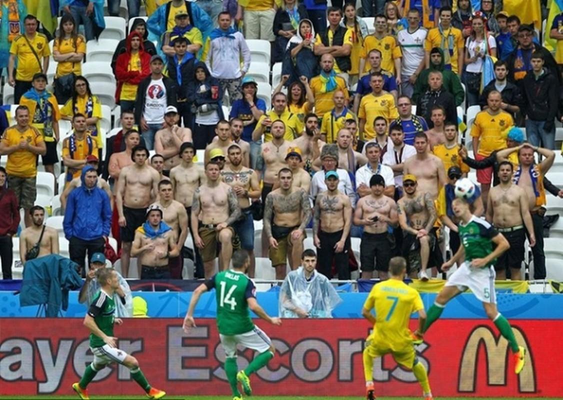 Goc khuat Euro 2016: CDV va van hoa ung xu-Hinh-7
