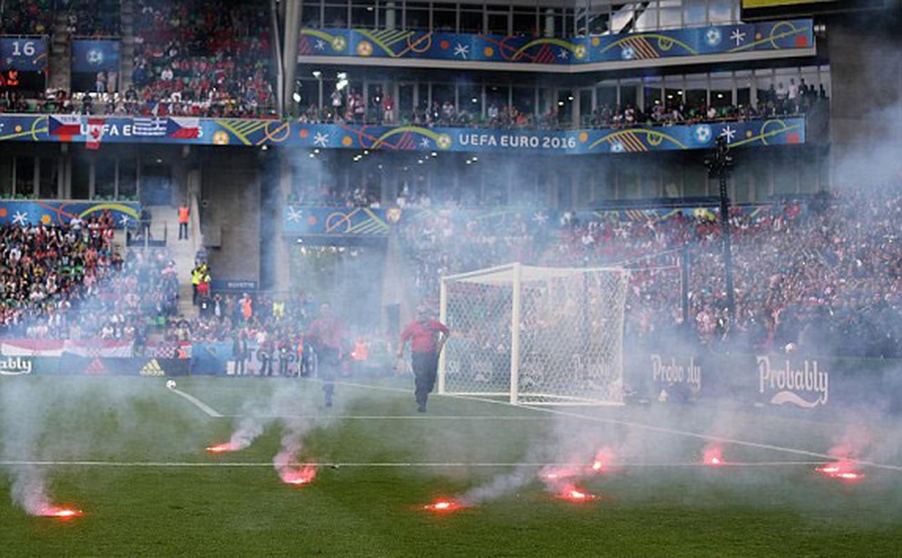 Goc khuat Euro 2016: CDV va van hoa ung xu-Hinh-9