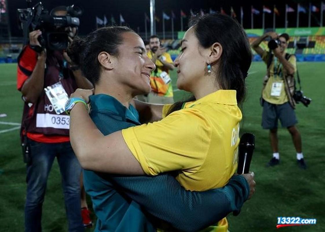 Olympic Rio 2016 chung kien man cau hon dong tinh gay soc-Hinh-4