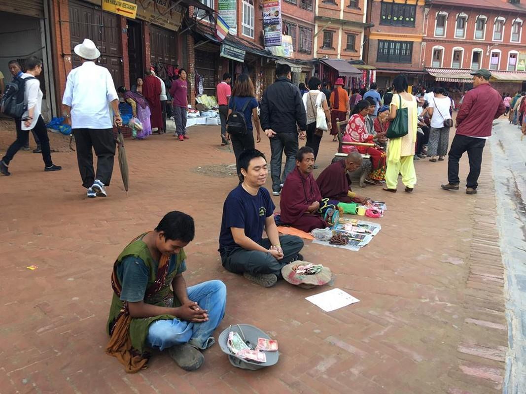 Gap 8X Viet gia an xin o Nepal bat ngo vi cai ket-Hinh-9