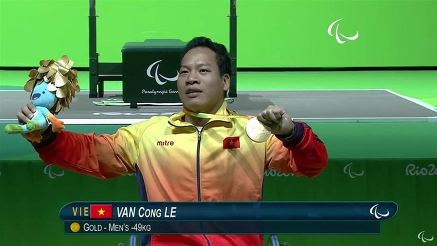 Khoanh khac Le Van Cong dem HCV Paralympic lich su cho TTVN-Hinh-4