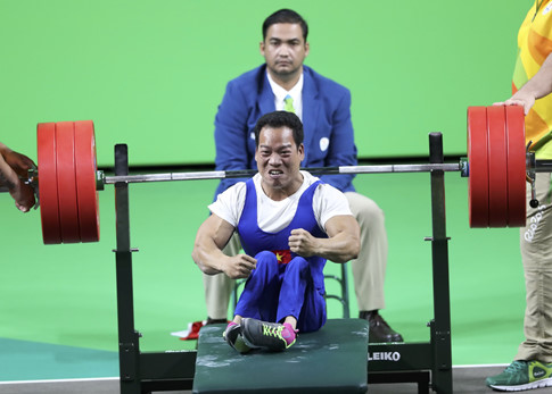 Khoanh khac Le Van Cong dem HCV Paralympic lich su cho TTVN-Hinh-6