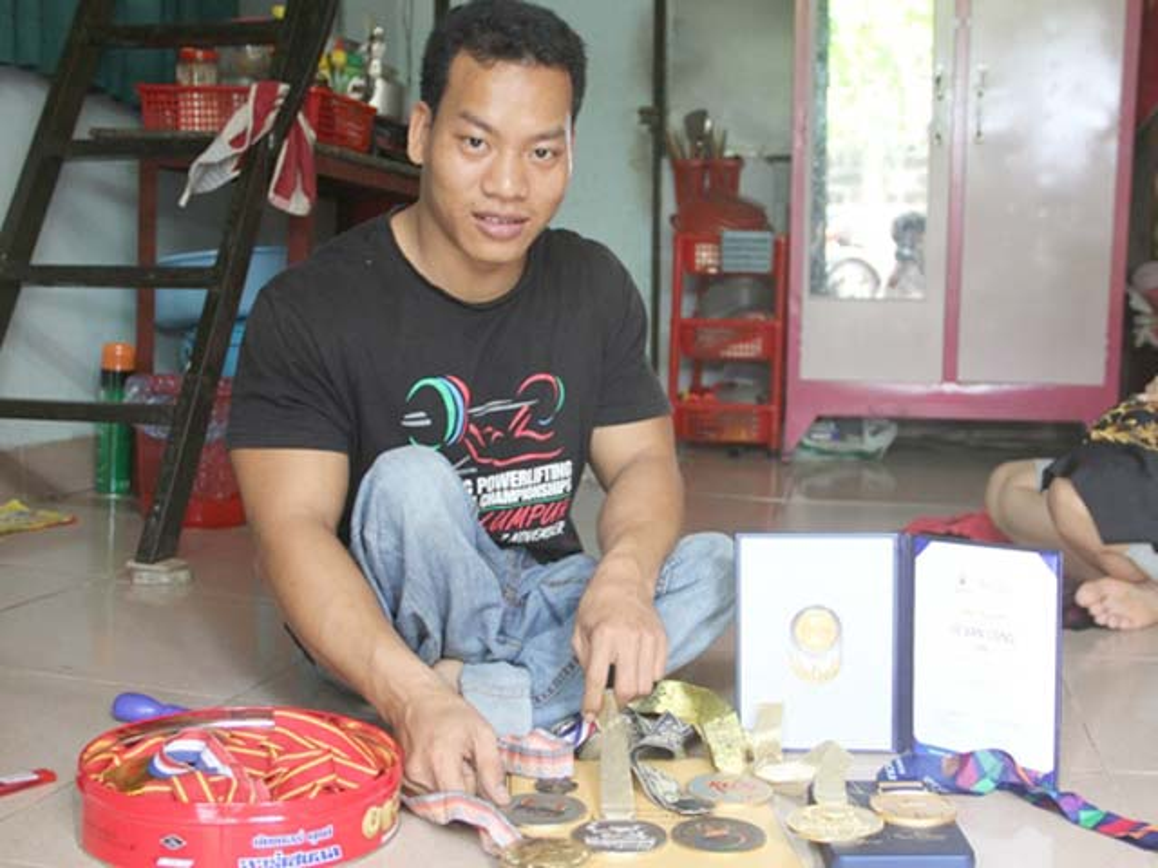 Khoanh khac Le Van Cong dem HCV Paralympic lich su cho TTVN-Hinh-9