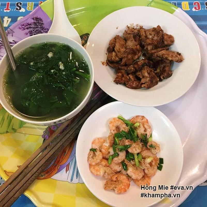 "Nu sinh khoe mam com ""sang chanh""  gay tranh cai-Hinh-4"