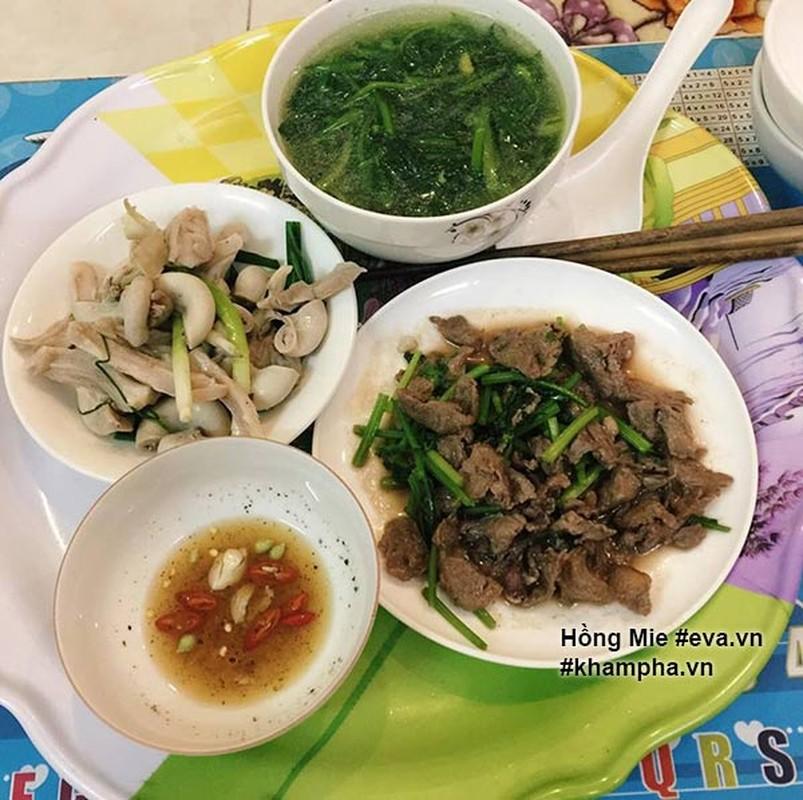 "Nu sinh khoe mam com ""sang chanh""  gay tranh cai-Hinh-5"