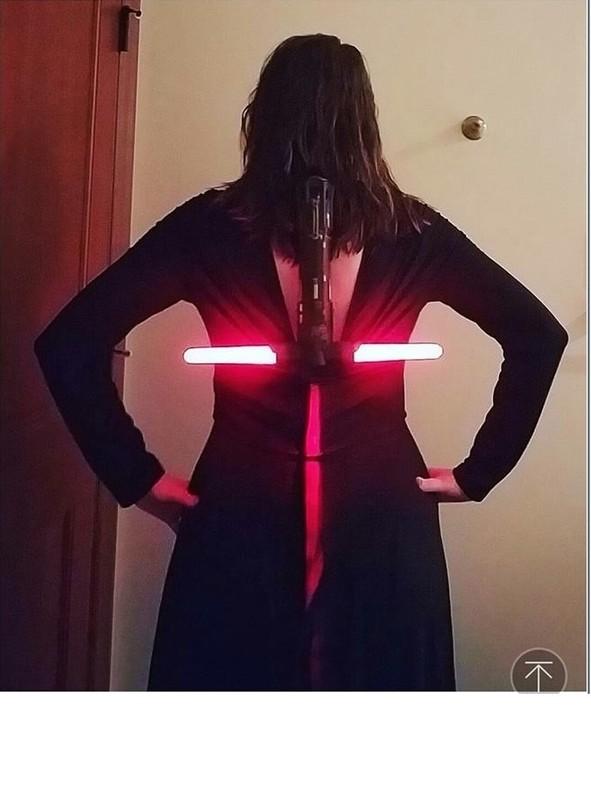 Ro phong trao khoe anh deo kiem sau lung giong Wonder Woman-Hinh-5