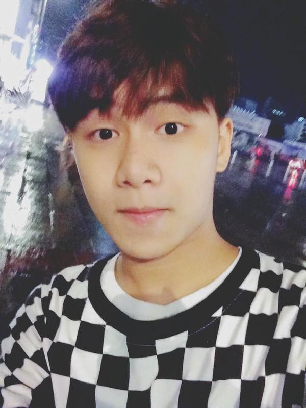 Hot boy 9X hat dan ca theo phong cach la gay sot-Hinh-8