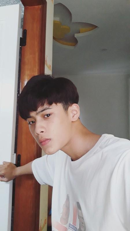 "Nam sinh 2002, khien dan tinh ""lac mat"" voi than hinh 6 mui-Hinh-10"