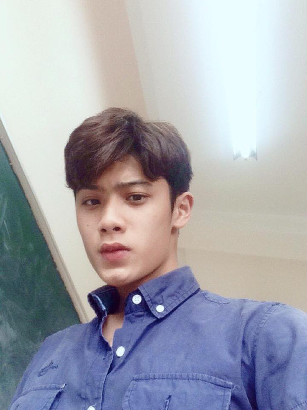 "Nam sinh 2002, khien dan tinh ""lac mat"" voi than hinh 6 mui-Hinh-6"