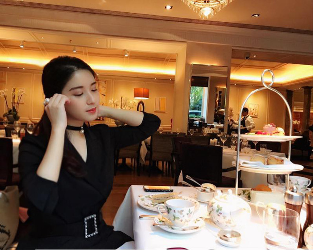 Cuu hot girl truong Amsterdam thay doi the nao khi du hoc Anh?-Hinh-3
