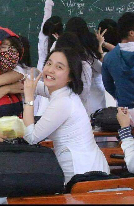 Soi anh thoi cap 3 cua cac hot girl Viet dinh dam-Hinh-2