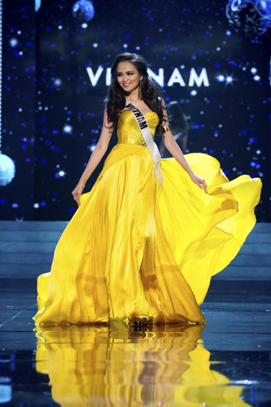 Nhung bo dam da hoi giup nguoi dep Viet toa sang tai Miss Universe-Hinh-4