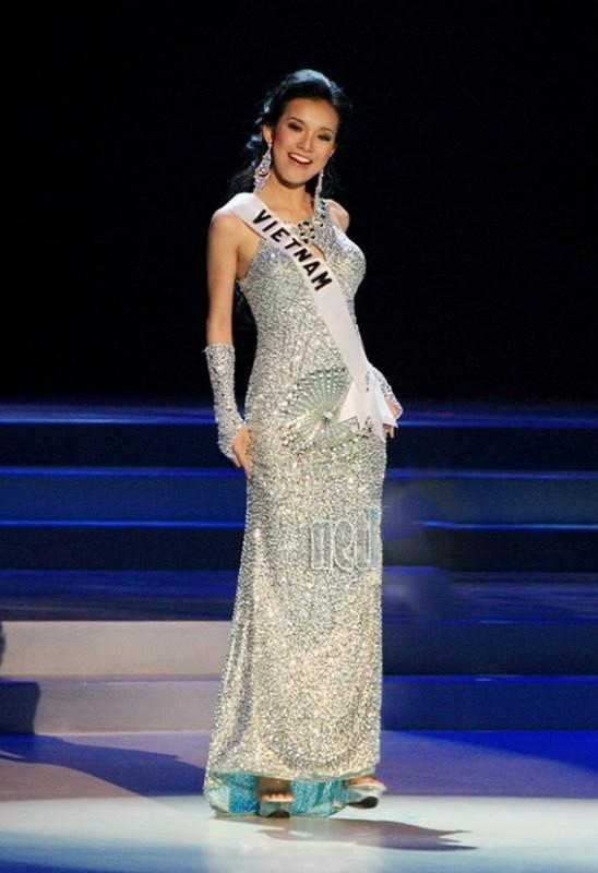 Nhung bo dam da hoi giup nguoi dep Viet toa sang tai Miss Universe