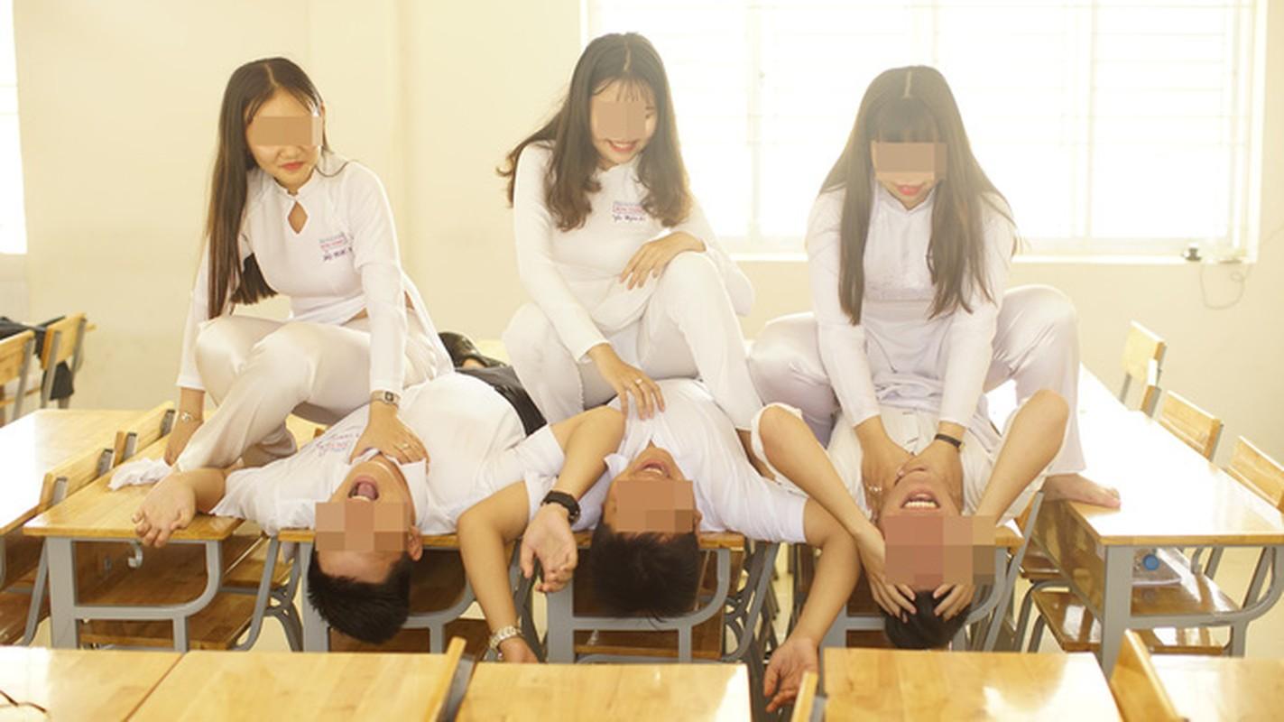 Dan mang nem da bo anh ky yeu phan cam cua nhom hoc sinh-Hinh-5