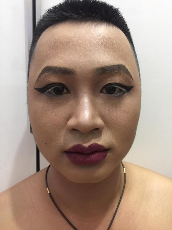 Buc anh gay nhieu tranh cai: Make up giup hoan doi khuon mat?-Hinh-5