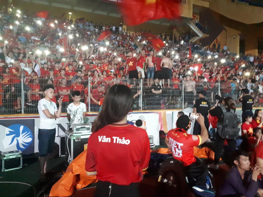 Chet me voi nhan sac nu CDV Olympic Viet Nam dot chay SVD Hang Day-Hinh-7