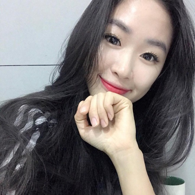 """Thieu nu Han Quoc """"dot mat"""" netizen bang than hinh """"an tap""""-Hinh-8"""