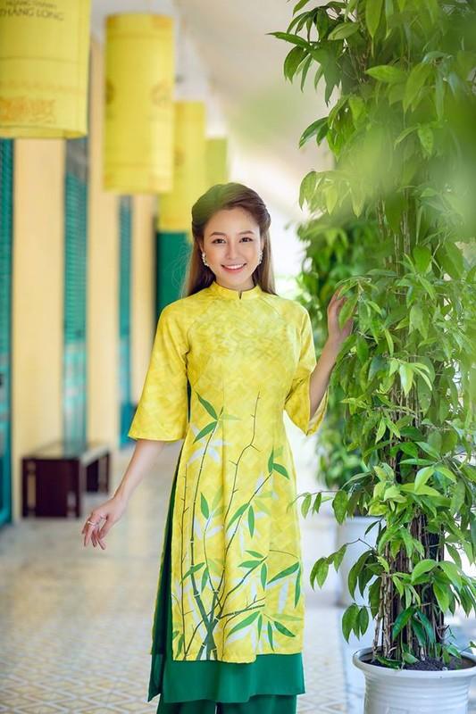 Hot girl Tram Anh thay doi hinh anh sau lum xum tinh cam-Hinh-10
