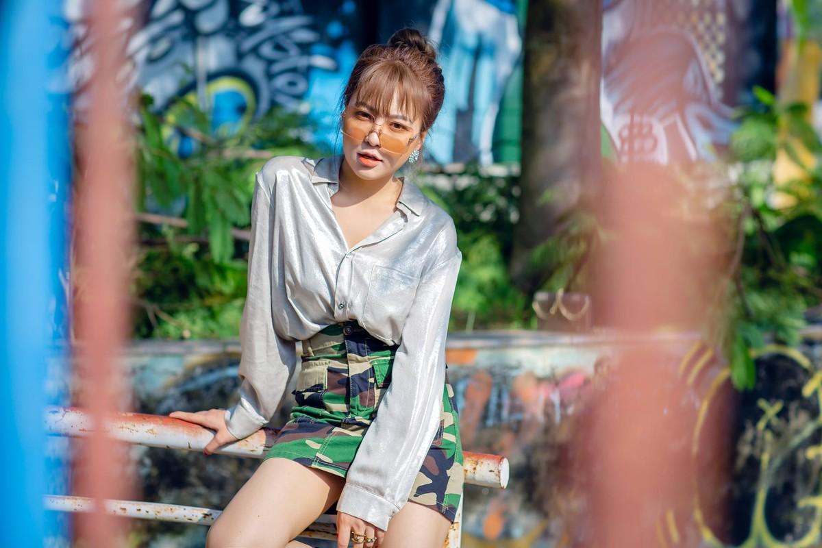 Hot girl Tram Anh thay doi hinh anh sau lum xum tinh cam-Hinh-5