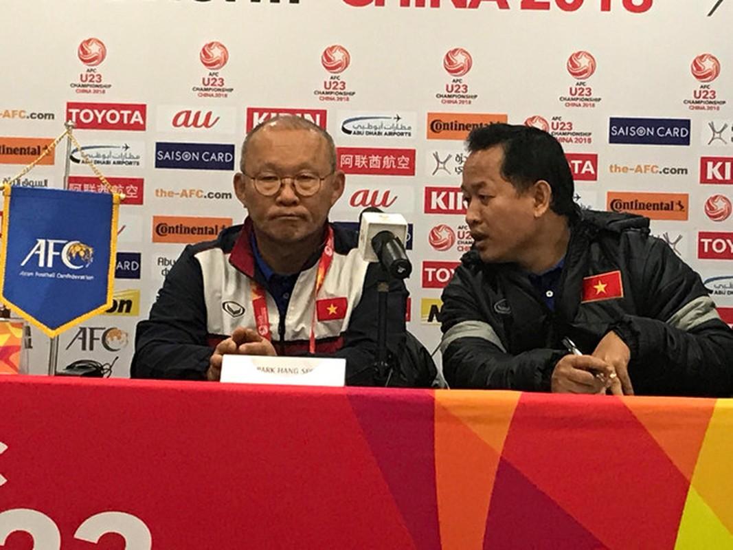 Ai se ngoi ghe tro ly ngon ngu cua HLV Park tai AFF Cup 2018?-Hinh-2