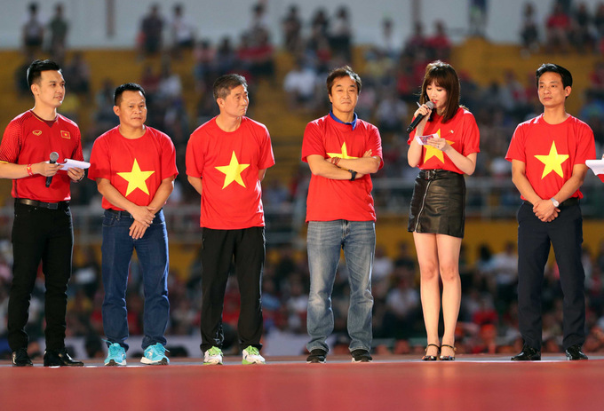 Ai se ngoi ghe tro ly ngon ngu cua HLV Park tai AFF Cup 2018?-Hinh-7