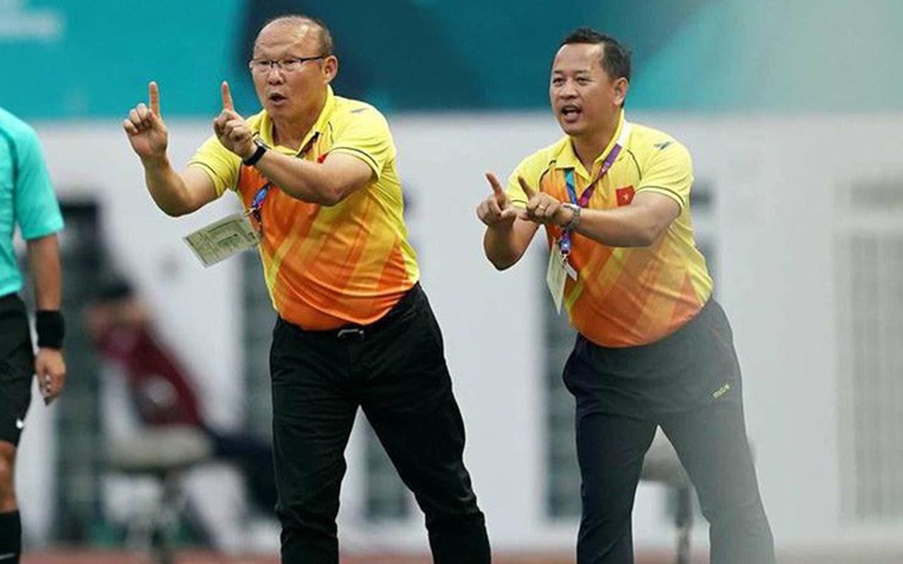 Ai se ngoi ghe tro ly ngon ngu cua HLV Park tai AFF Cup 2018?