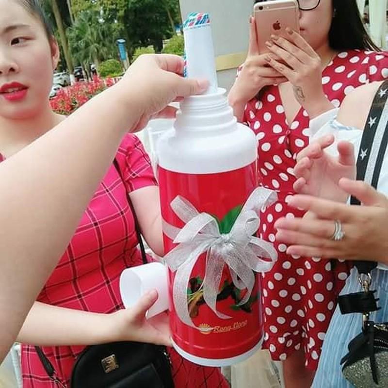 Qua cuoi theo phong cach thap nien 80 khien dan mang phat sot-Hinh-9