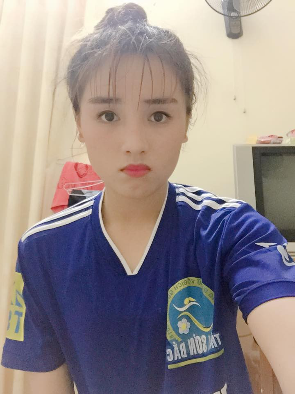 Nu cau thu 20 tuoi Thai Nguyen gay me dan mang vi qua sac net-Hinh-2