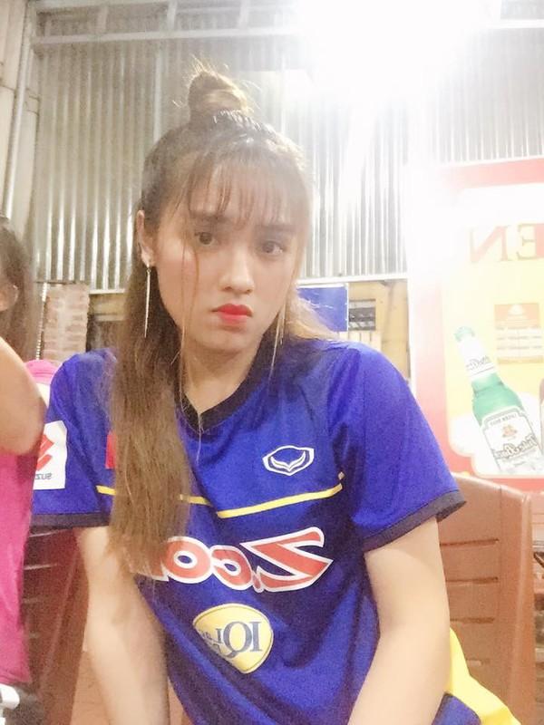 Nu cau thu 20 tuoi Thai Nguyen gay me dan mang vi qua sac net-Hinh-3