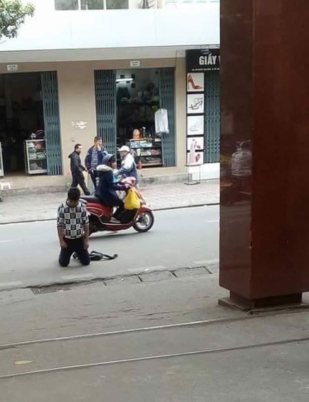 Quy goi giua duong xin loi nguoi yeu, co dang mat dan ong?-Hinh-9