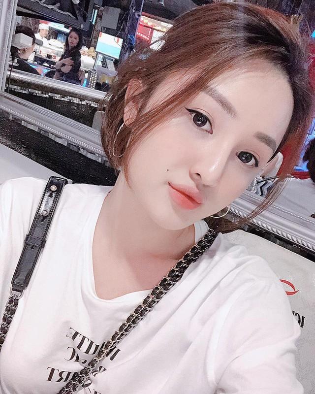 "Nhan sac ""chanh sa"" cua hot girl 9X Sai thanh"