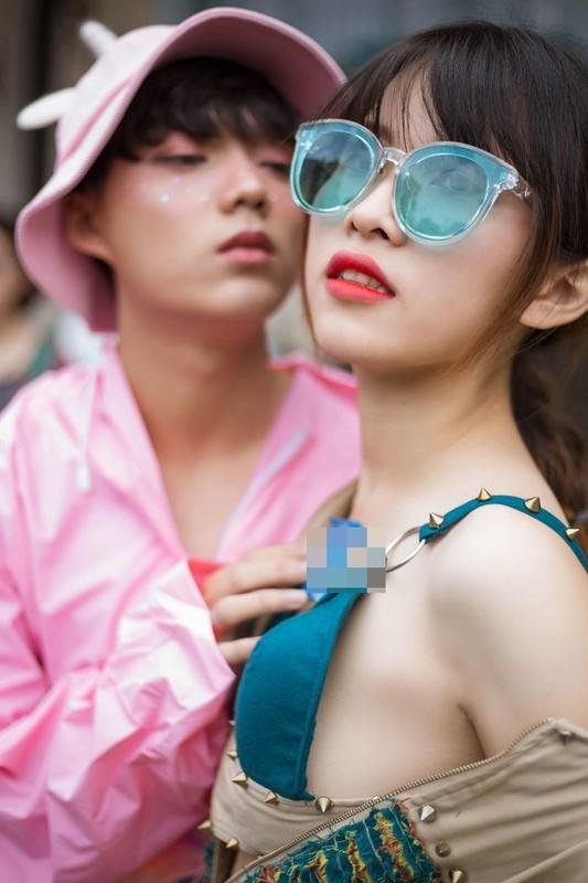 Thanh chui ban hang online bi nem da khi chup anh phan cam-Hinh-7