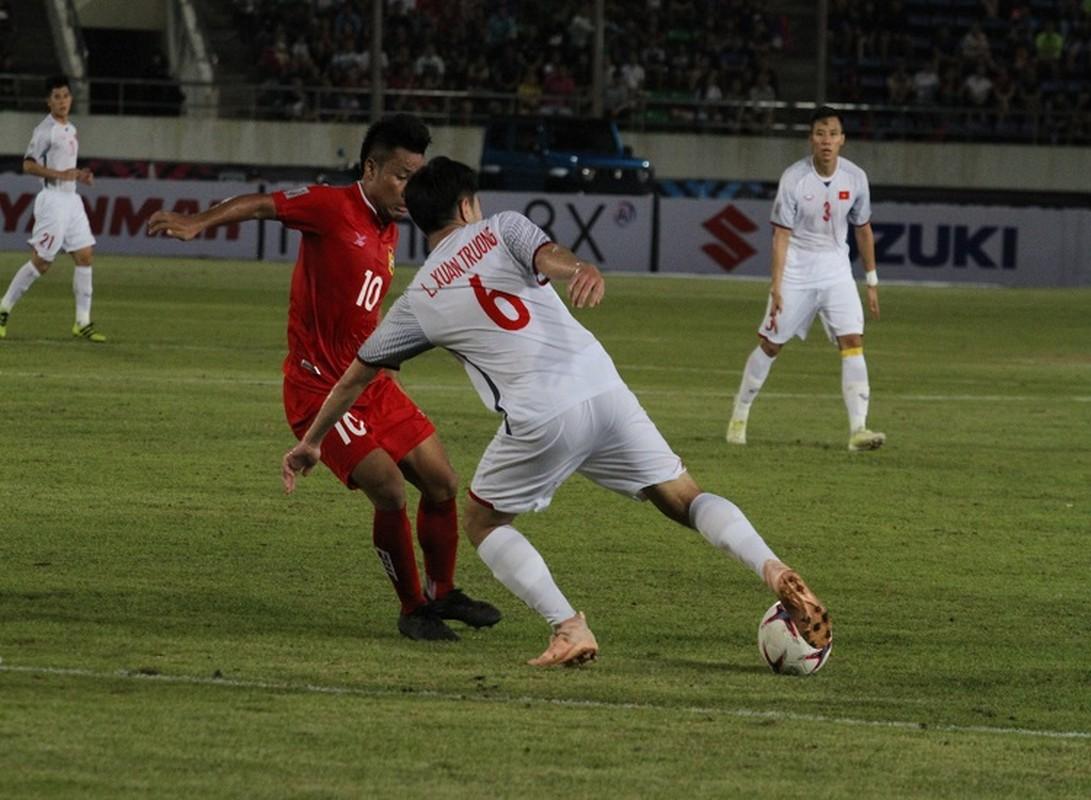Cong Phuong giup doi tuyen Viet Nam mo man AFF Cup 2018 tung bung-Hinh-11