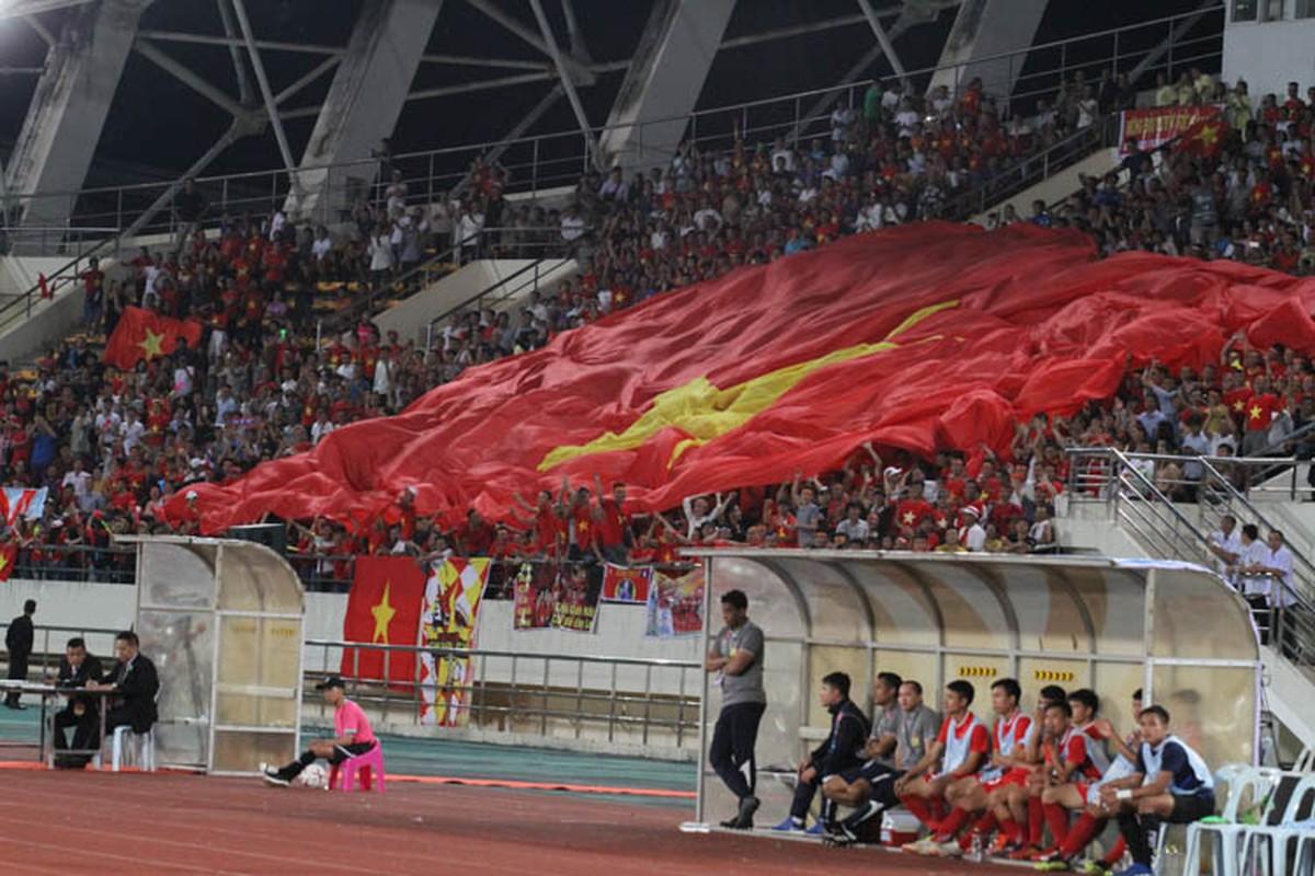 Cong Phuong giup doi tuyen Viet Nam mo man AFF Cup 2018 tung bung-Hinh-6