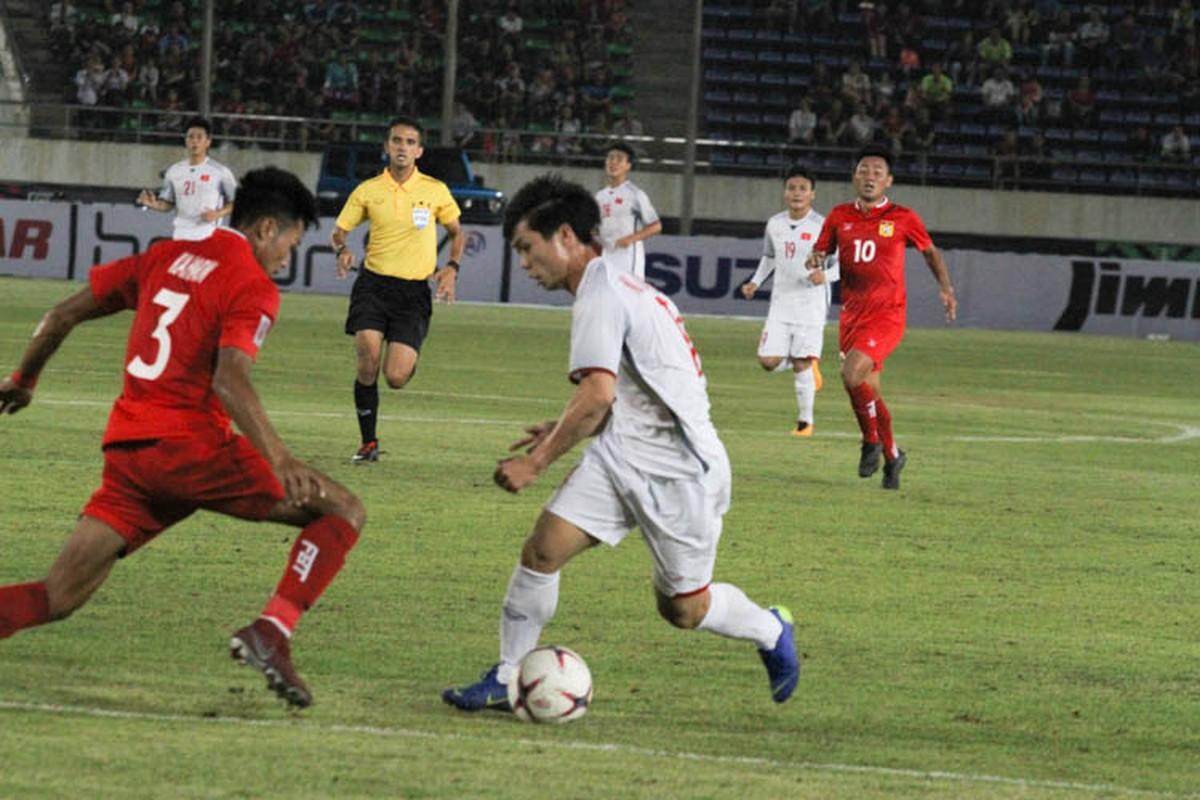 Cong Phuong giup doi tuyen Viet Nam mo man AFF Cup 2018 tung bung-Hinh-7