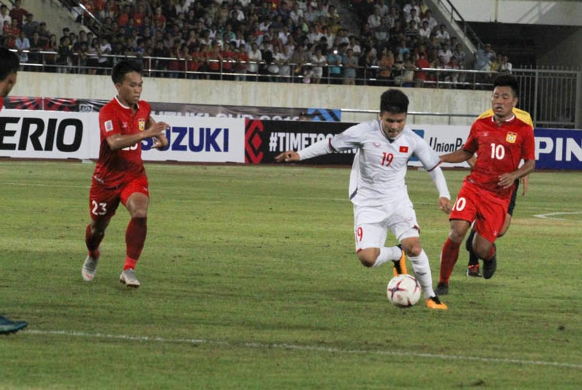 Cong Phuong giup doi tuyen Viet Nam mo man AFF Cup 2018 tung bung-Hinh-8