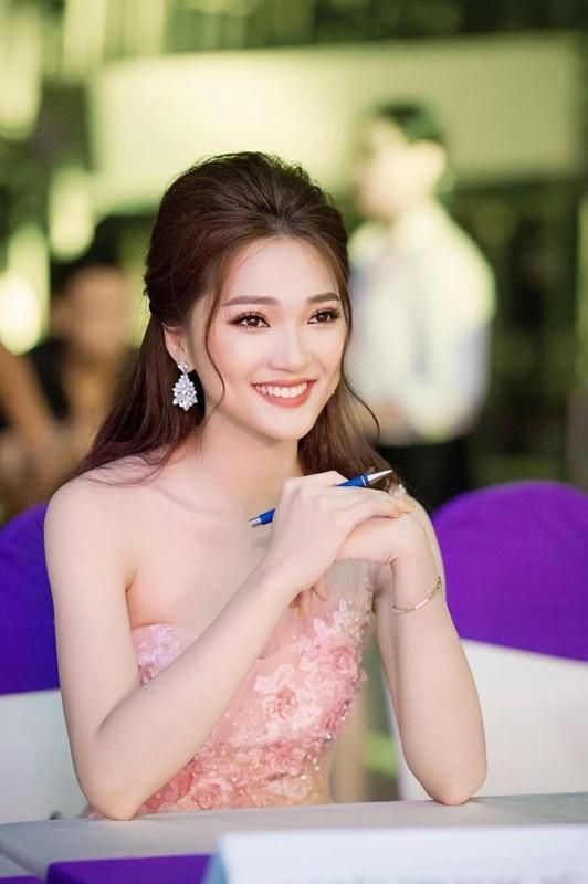 Ngam dan WAGs cuc khung  cua DT Viet Nam tai AFF Cup 2018-Hinh-10