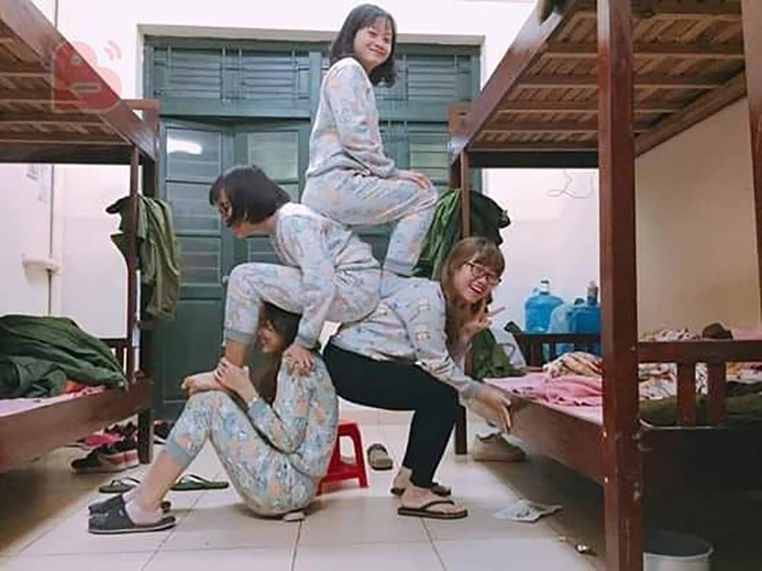 "Trao luu ""xep hinh"" pose anh cung nhom ban than hot nhat dip cuoi nam-Hinh-3"
