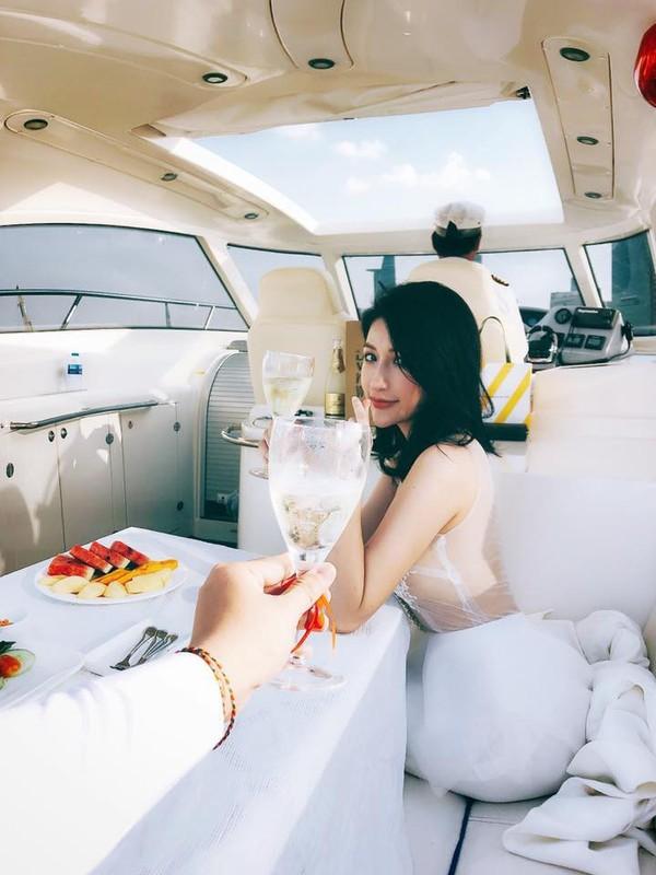 Diem mat nhung hot girl dinh dam len xe hoa trong nam 2018-Hinh-11