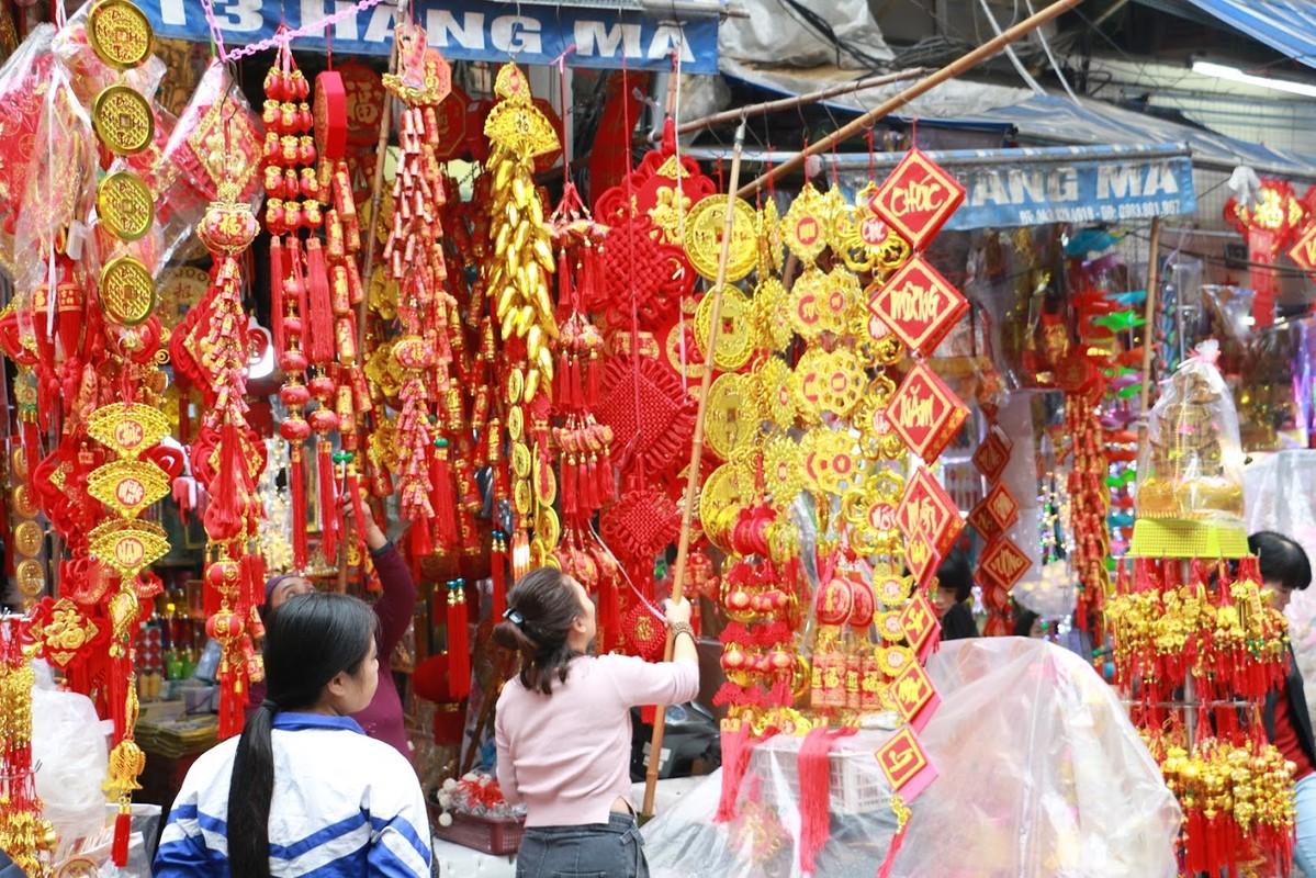 Hang Ma chieu cuoi nam, hoi ha ke ban nguoi mua do don Tet-Hinh-5
