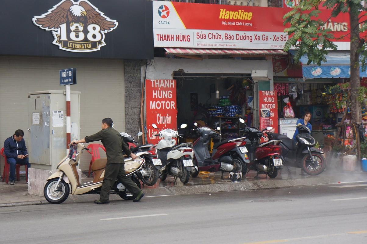 Gia rua xe truoc Tet tang dot bien, dan van xep hang cho-Hinh-2