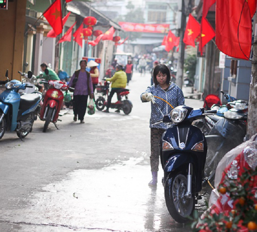 Gia rua xe truoc Tet tang dot bien, dan van xep hang cho-Hinh-9