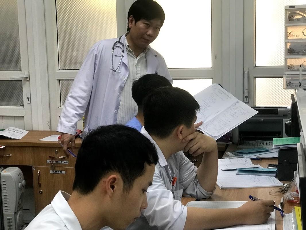 Chieu mung 1 Tet ban ron cung cac bac si khoa cap cuu BV Xanh-pon-Hinh-6