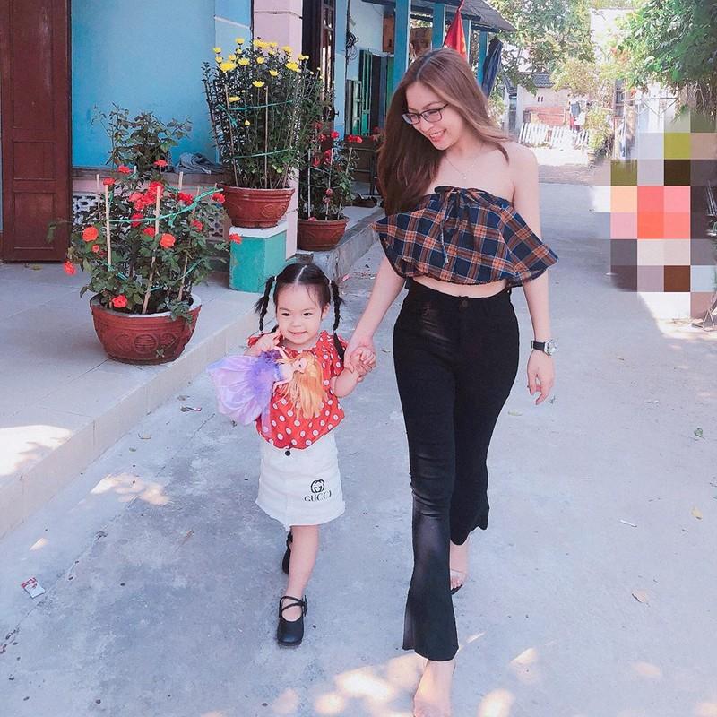 "Ban gai Quang Hai xinh dep, hat hay nhung ho ra la bi ""dim hang""-Hinh-9"