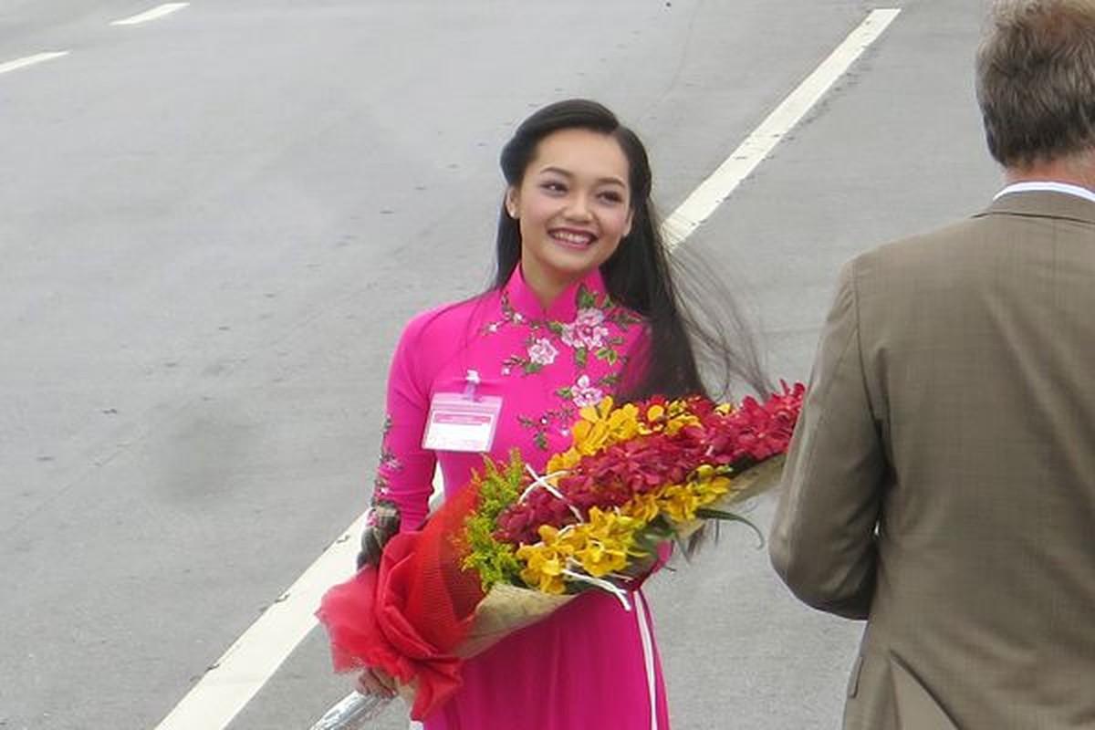 Do nhan sac nhung hoa khoi tang hoa cac Nguyen thu Quoc gia nuoc ngoai-Hinh-8