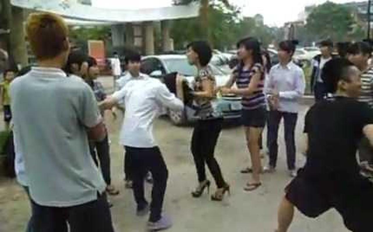 Muon kieu bao luc hoc duong: Cat toc, xe ao va danh dap da man-Hinh-9
