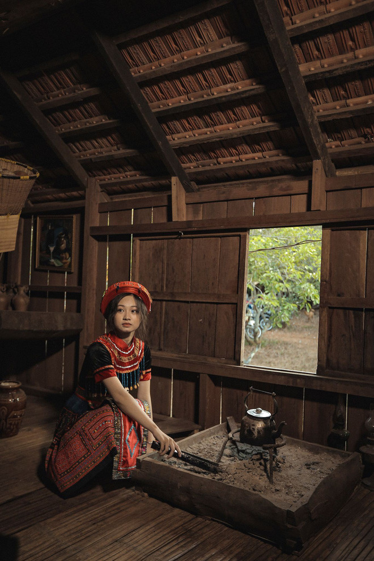 Nu sinh Buon Ma Thuot hut hon CDM vi qua xinh dep khi hoa than thanh Mi-Hinh-2