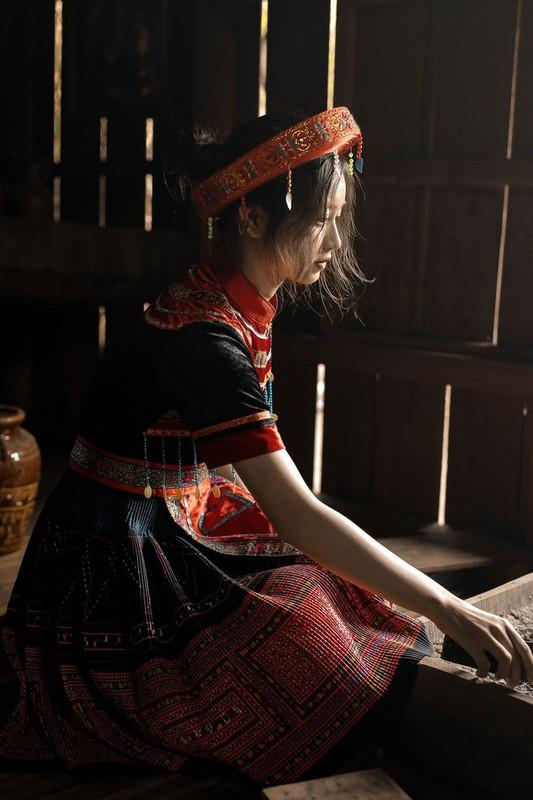 Nu sinh Buon Ma Thuot hut hon CDM vi qua xinh dep khi hoa than thanh Mi-Hinh-3
